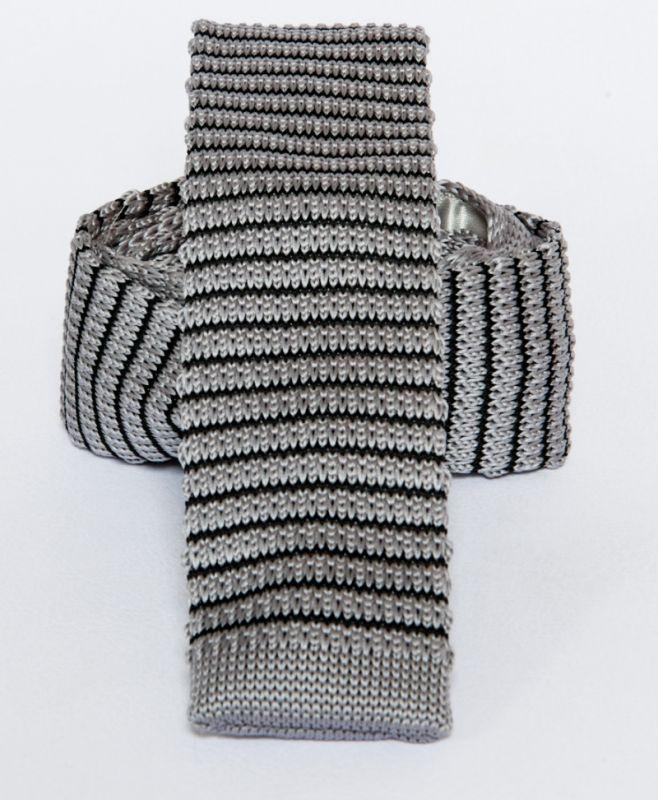 Prémium  kötött nyakkendő - Szürke-fekete csíkos Csíkos nyakkendők