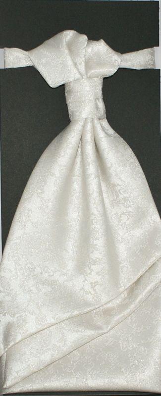 Francia nyakkendő,díszzsebkendővel - Ecru mintás