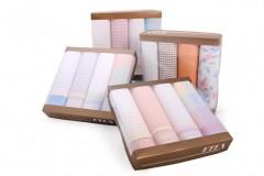 Női zsebkendő csomag dobozban - 4 db Női kiegészítők